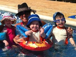 Circusmum with kids